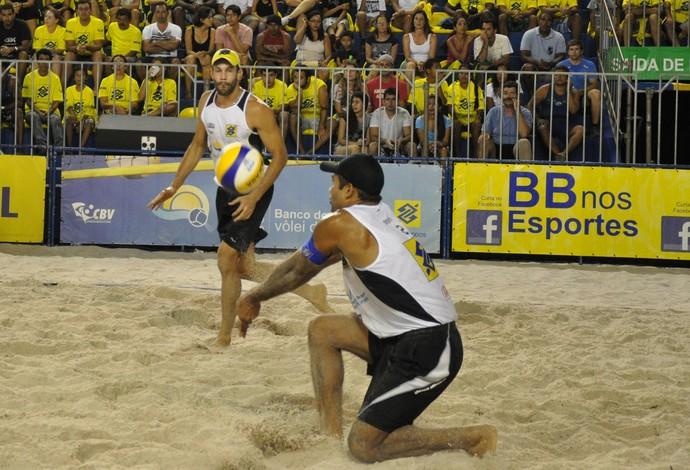Bruno Hevaldo vôlei de praia (Foto: Pedro Luiz/CBV)