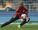 Brasil treina com desfalques, mas tem Jefferson pronto para Superclássico