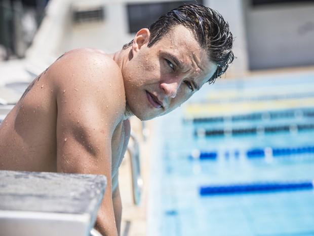 Ele faz natação para encarar personagem (Foto: Raphael Dias/ Gshow)