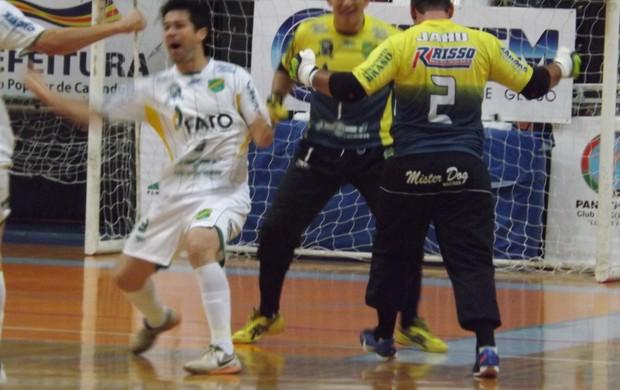 Copa dos Campeões da TV TEM, Jaú x Rio Preto, Migué festeja gol (Foto: Roberto Fernandes)