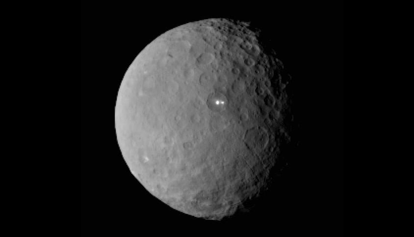 pontos brilhantes em ceres (Foto: NASA)