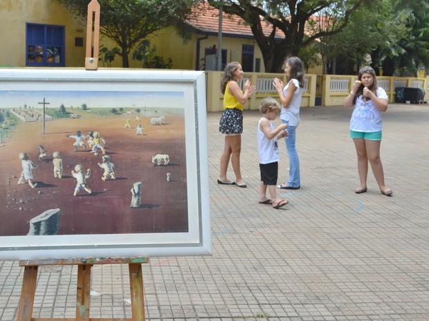 Brincadeiras das obras de Portinari inspiram férias em Brodowski, SP (Foto: Juliana Dias/Divulgação)