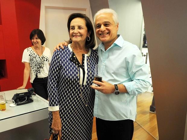 Lucinha Araújo, mãe de Cazuza, e o empresário e publicitário Roberto Medina, presidente do Rock in Rio, durante o anúncio das atrações nacionais do festival nesta terça (5) (Foto: Alexandre Durão/G1)