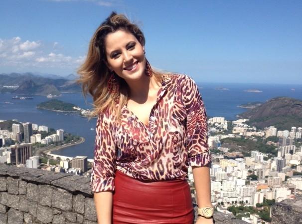 Jessica Leão grava no Rio de Janeiro  (Foto: Reprodução / TV Diário)