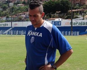 Léo Bahia CSA (Foto: Viviane Leão/GloboEsporte.com)