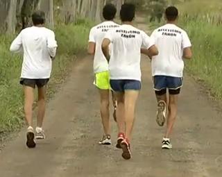Jovens de Itatiaia treinam para Corrida e Caminhada Rio Sul (Foto: Reprodução RJTV 2ª Edição)