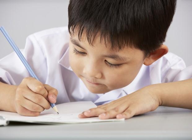 escola; menino; sala de aula (Foto: Thinkstock)