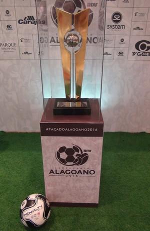 Troféu do Alagoano 2016 (Foto: Leonardo Freire/GloboEsporte.com)