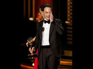 Jimmy Parson, de 'Big Bang Theory', recebeu o Emmy de melhor ator de de série de comédia. (Foto: Mario Anzuoni/Reuters)