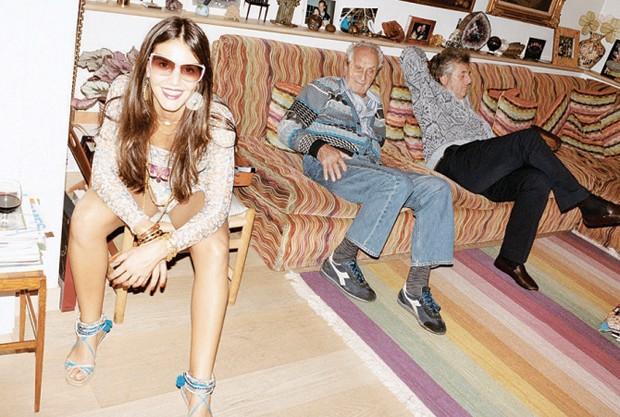 A campanha de 2010 da grife, clicada por Juergen teller: Margherita com o avô ottavio e o tio vittorio – ambos mortos este ano. (Foto:  )