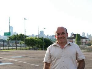 Pelo Partido Republicano da Ordem Social (PROS) o pré-candidato é o professor Ademar Pereira.