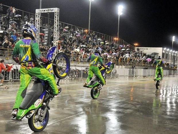Equipe é liderada pelo bicampeão brasileiro de wheeling, Loro Jhow (Foto: Divulgação/ Ascom)