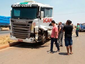 Motorista da carreta foi preso (Foto: Edivaldo Braga/Blogbraga)