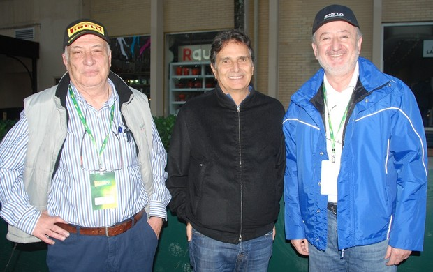 O tricampeão de Fórmula 1 Nelson Piquet e a dupla portuguesa nas Mil Milhas Históricas (Foto: Alexander Grünwald / GLOBOESPORTE.COM)
