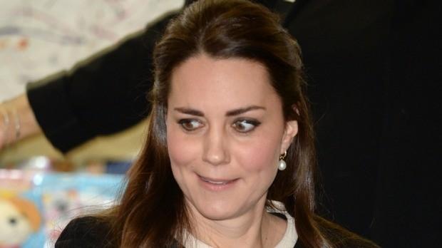 Kate Middleton recebe ordem durante trabalho voluntário e reage com indignação; veja vídeo