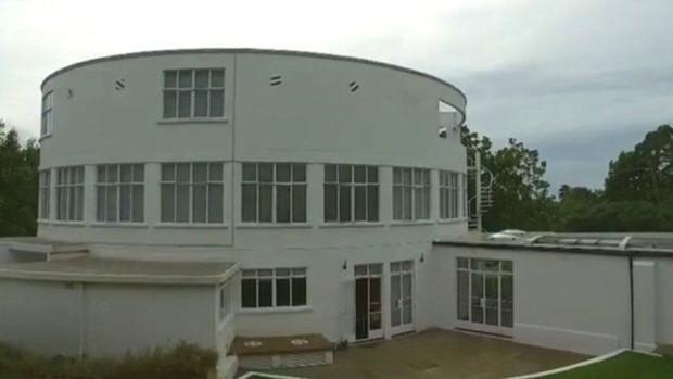 Pojetada por Tunnard, casa foi desenhada pelo arquiteto Raymond McGrath  (Foto: BBC)