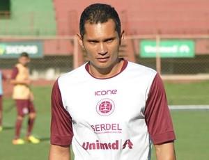 Léo Oliveira, auxiliar-técnico da Desportiva Ferroviária (Foto: Henrique Montovanelli/Desportiva Ferroviária)