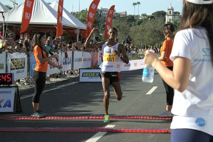 Giovani dos Santos Corrida Eu Atleta - 10k Rio 2014  (Foto: Divulgação)