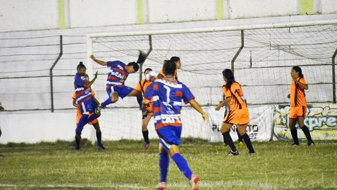 primeiro jogo final pernambucano feminino (Foto: Luciano Abreu / Vitória-PE)