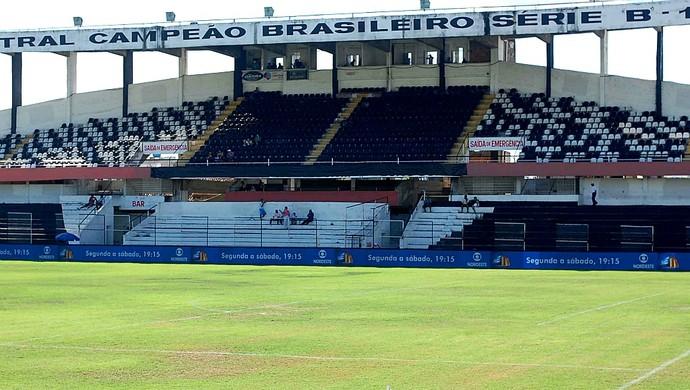 estádio luiz lacerda lacerdão (Foto: Aldo Carneiro / Pernambuco Press)