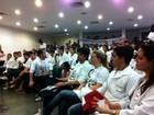 Estudantes de medicina fazem protesto na secretaria de saúde do CE