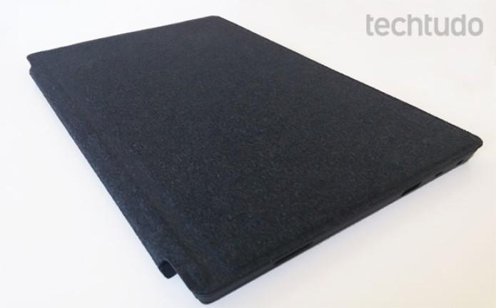 Microsoft Surface RT coberto pela capa-teclado (Foto: Rodrigo Bastos/TechTudo)