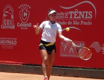 Gabriela Cé em torneio em SJC (Foto: Divulgação)