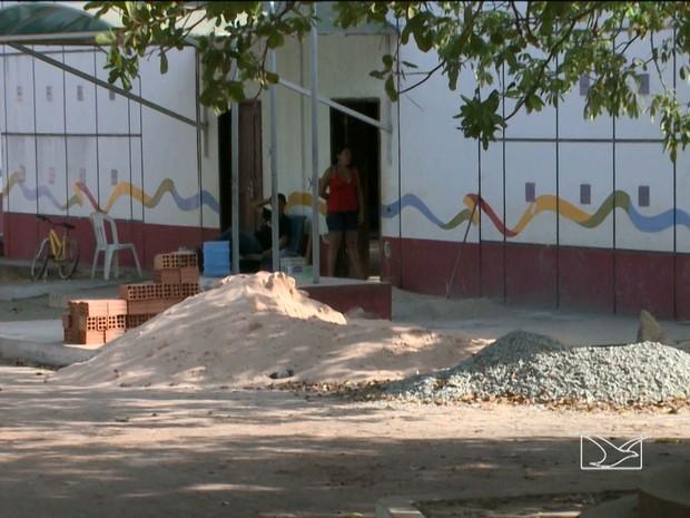 UEB Santa Clara está em reforma, mas obra deveria ser entregue no dia 16 (Foto: Reprodução/TV Mirante)