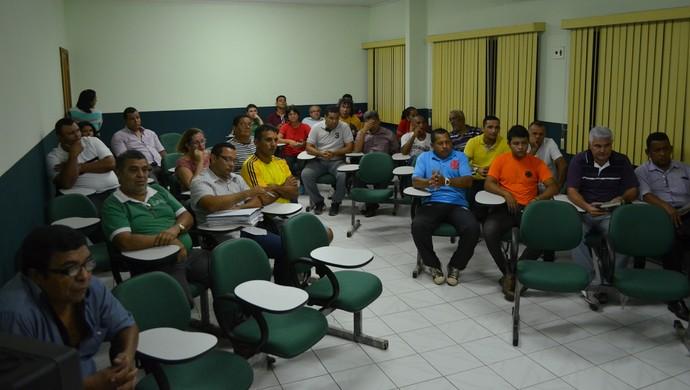 Assembleia foi realizada na sede da Federação de Futebol do Acre (FFAC), no estádio Florestão (Foto: Duaine Rodrigues)