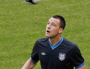 john terry inglaterra treino (Foto: Ag&#234;ncia AP)