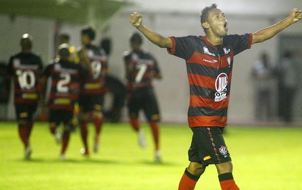 Gilson comemora gol contra o Boa Esporte (Foto: Edson Ruiz / Agência Estado)