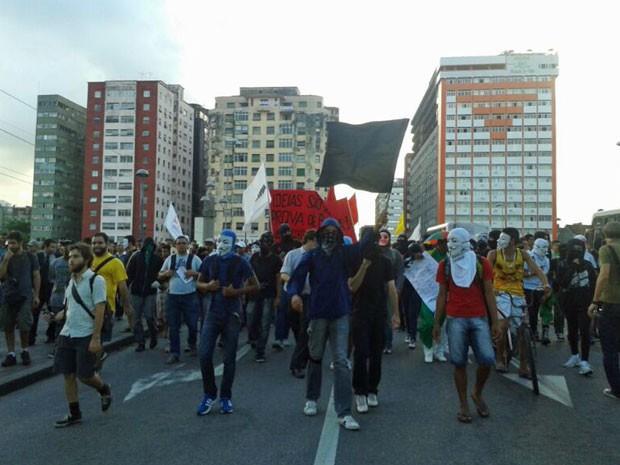 Grupo caminhou por ruas do Centro da capital (Foto: Luna Markman/G1)