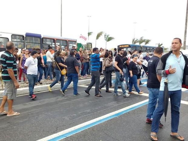 Profissionais de saúde protestam no Bairro 13 de Julho (Foto: Alex Carvalho/Arquivo Pessoal)