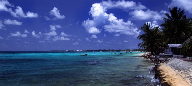 Praia em Tuvalu (Foto: Wikimedia Commons)