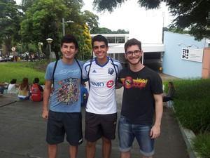 Pedro Estrella, Felipe Frigieri e André Aragoni prestam a Fuvest (Foto: Luana Marques/G1)