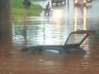 Temporal deixa carro submerso e município de MS decreta emergência