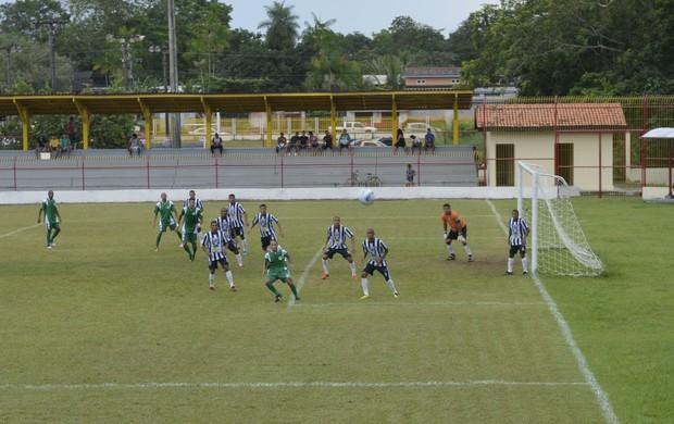 Santos bate o Independente por 3 a 0 (Foto: Jonhwene Silva, GE/AP)