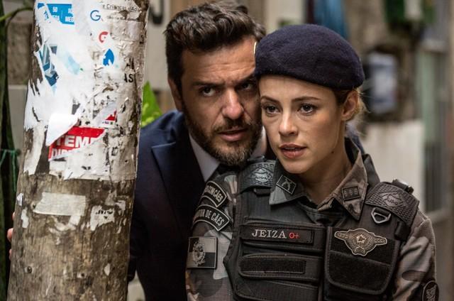 Rodrigo Lombardi e Paolla Oliveira em 'A força do querer' (Foto: Reprodução)