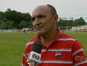 Presidente do Araguaína João Luiz de Carvalho justifica saída de jogadores do clube (Foto: Reprodução/TV Anhanguera)