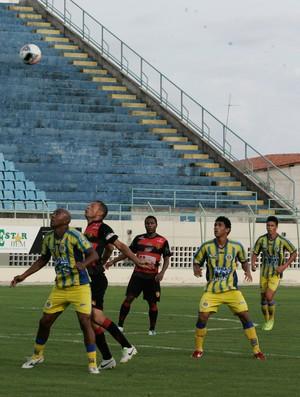 Horizonte vence Guarani de Juazeiro no estádio Domingão  (Foto: Tuno Vieira/ Agência Diário )
