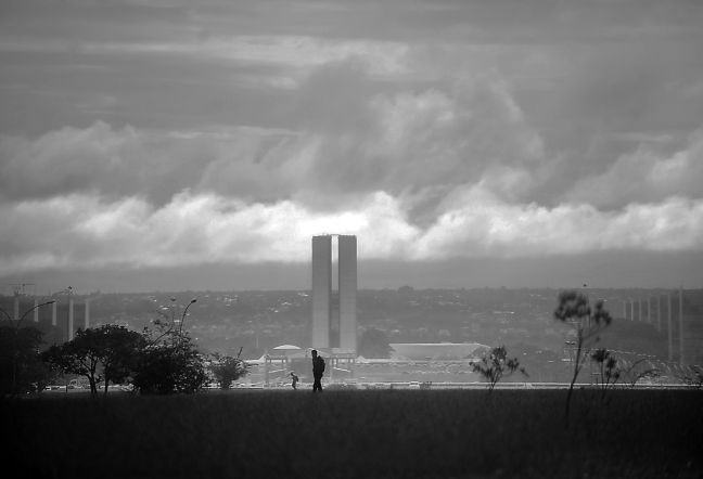 Céu encoberto e tempo nublado em Brasília (Foto: Marcello Casal Jr. / ABr)