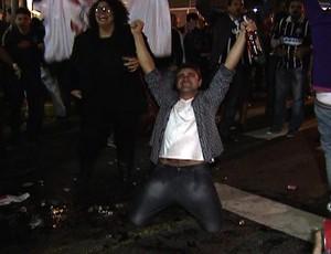 Torcida Corinthians bar 1 (Foto: Reprodução SporTV)