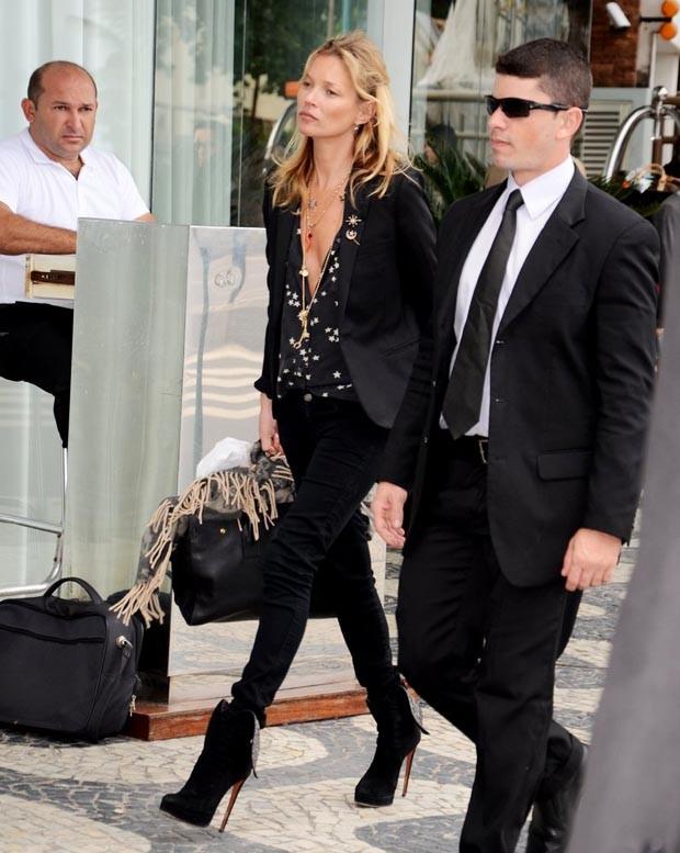 Kate Moss circula com sua nova coleção para a Topshop, no Rio