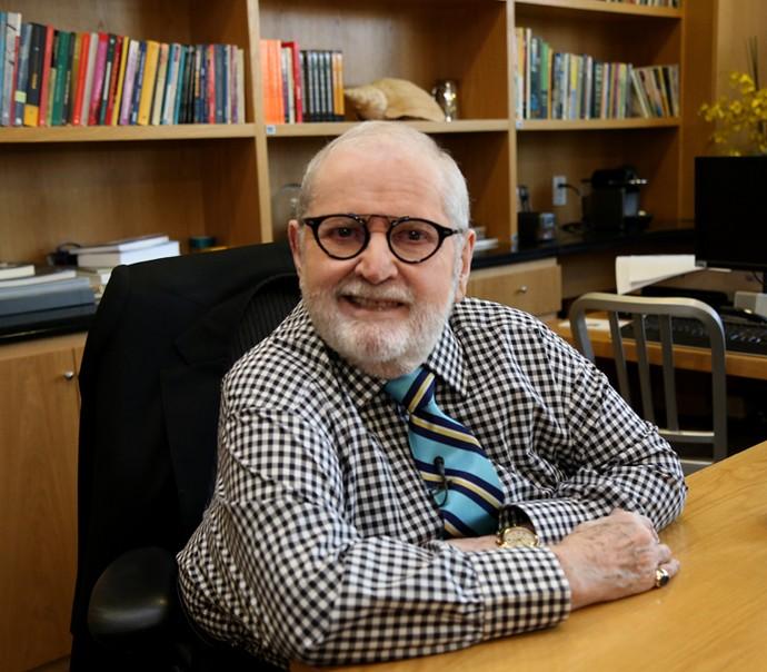 Jô Soares em sua sala na produção do Programa do Jô (Foto: Carol Caminha/Gshow)