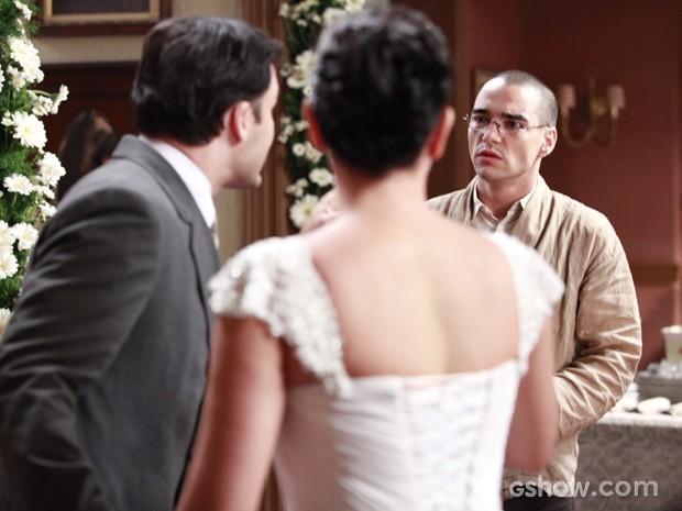 Lama Sonan se declara para a amada e deixa o noivo furioso (Foto: Ellen Soares/TV Globo)