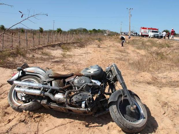 Pai e filho estavam em uma moto (Foto: Marcelino Neto/O Câmera)