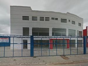 Imóvel na Avenida Assis Chateubriant está alugado desde julho de 2013. (Foto: Reprodução/Google Street View)
