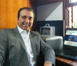 Marcio Gaba preferiu declarar notebook de US$ 800 que trouxe de viagem (Foto: Arquivo Pessoal)