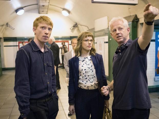 Domhnall Gleeson, Rachel McAdams e Richard Curtis nas filmagens de 'Questão de tempo' (Foto: Divulgação)