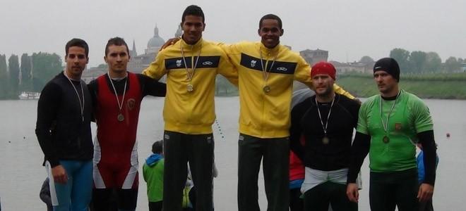 Erlon Souza e Ronilson Oliveira, da canoagem, são ouro na Itália (Foto: Divulgação CBCa)